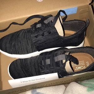 Toms black knit tennis shoes size 5.5